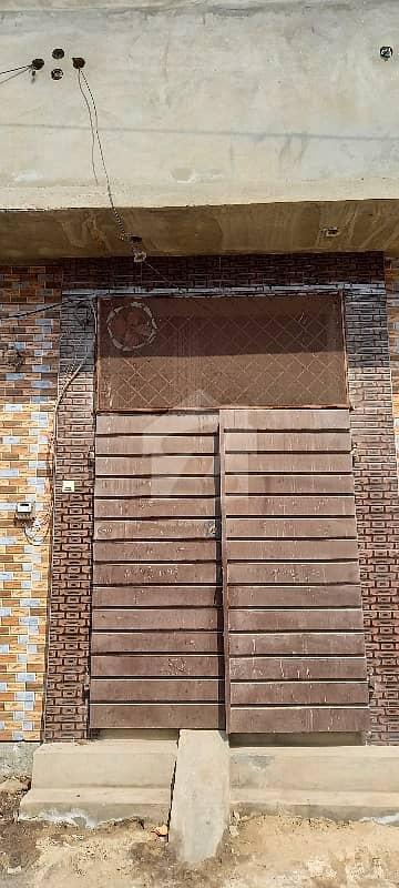 منا والا فیصل آباد میں 4 کمروں کا 2 مرلہ مکان 34 لاکھ میں برائے فروخت۔