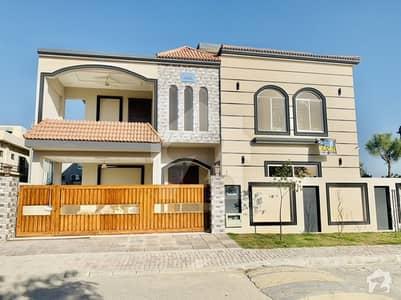 بحریہ ٹاؤن فیز 4 بحریہ ٹاؤن راولپنڈی راولپنڈی میں 5 کمروں کا 1 کنال مکان 4.8 کروڑ میں برائے فروخت۔