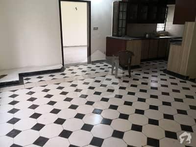 ڈی ایچ اے فیز 2 - بلاک وی فیز 2 ڈیفنس (ڈی ایچ اے) لاہور میں 3 کمروں کا 8 مرلہ مکان 60 ہزار میں کرایہ پر دستیاب ہے۔