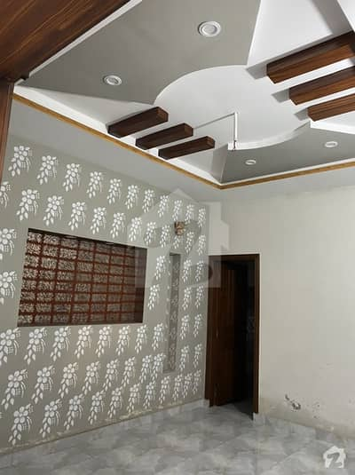 سبزہ زار سکیم لاہور میں 5 کمروں کا 10 مرلہ مکان 80 ہزار میں کرایہ پر دستیاب ہے۔