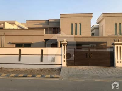 Brand New Sdh 350 Sq Yards Is Available For Sale