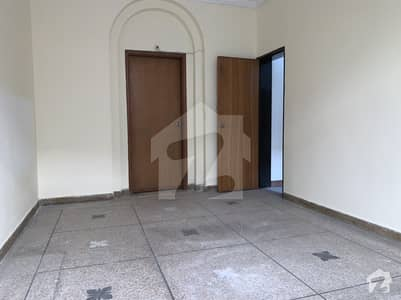 Direct 5 Bed House For Rent