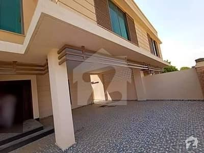 In Cantt Upper Portion For Rent Sized 4950  Square Feet