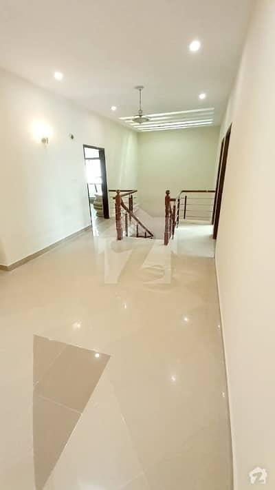 ڈی ایچ اے فیز 6 ڈی ایچ اے کراچی میں 4 کمروں کا 12 مرلہ مکان 1.95 لاکھ میں کرایہ پر دستیاب ہے۔
