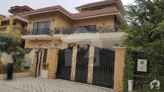 ایف ۔ 11/4 ایف ۔ 11 اسلام آباد میں 5 کمروں کا 1 کنال مکان 9.25 کروڑ میں برائے فروخت۔