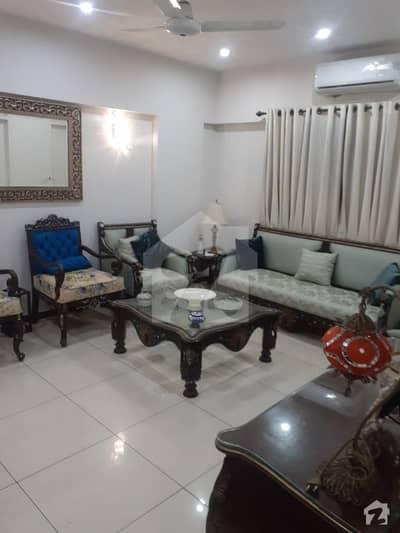 راحت کمرشل ایریا ڈی ایچ اے فیز 6 ڈی ایچ اے کراچی میں 3 کمروں کا 8 مرلہ فلیٹ 3 کروڑ میں برائے فروخت۔
