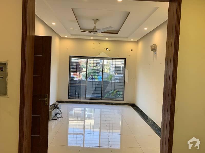 پیراگون سٹی لاہور میں 3 کمروں کا 5 مرلہ مکان 45 ہزار میں کرایہ پر دستیاب ہے۔
