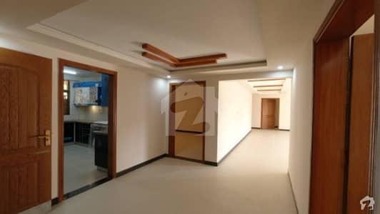 عسکری 5 ملیر کنٹونمنٹ کینٹ کراچی میں 4 کمروں کا 13 مرلہ فلیٹ 3.6 کروڑ میں برائے فروخت۔