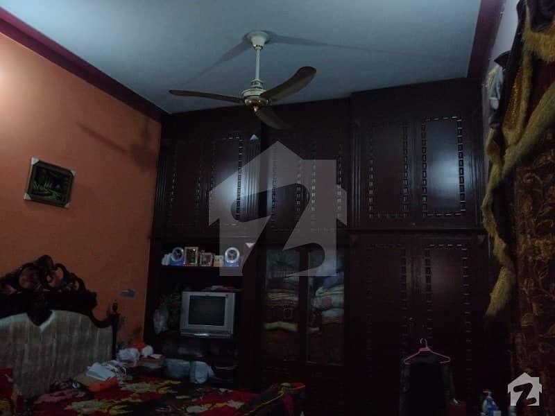 سوِل لائنز فیصل آباد میں 5 کمروں کا 3 مرلہ مکان 95 لاکھ میں برائے فروخت۔