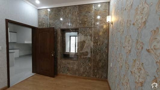 شاہ جمال لاہور میں 8 کمروں کا 14 مرلہ فلیٹ 4 کروڑ میں برائے فروخت۔