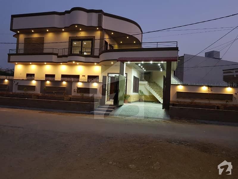 سعدی ٹاؤن - بلاک تین سعدی ٹاؤن سکیم 33 کراچی میں 6 کمروں کا 13 مرلہ مکان 3.2 کروڑ میں برائے فروخت۔