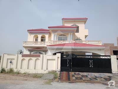 آئی ای پی انجنیئرز ٹاؤن ۔ سیکٹر اے آئی ای پی انجینئرز ٹاؤن لاہور میں 6 کمروں کا 1 کنال مکان 1.45 لاکھ میں کرایہ پر دستیاب ہے۔