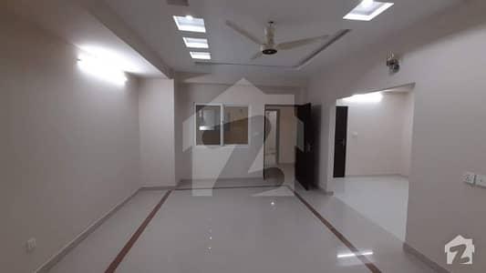 3 Bed Luxury Apartment At Prime Location