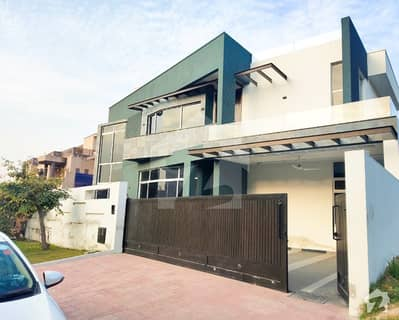 ڈی ایچ اے ڈیفینس فیز 1 ڈی ایچ اے ڈیفینس اسلام آباد میں 5 کمروں کا 1 کنال مکان 5.75 کروڑ میں برائے فروخت۔