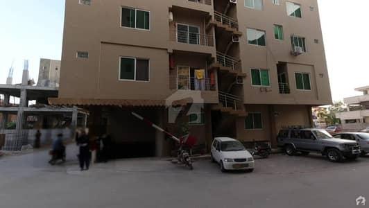 پی ایم سی ایچ ایس - پاکستان میڈیکل کوآپریٹو ہاؤسنگ ای ۔ 11/2 ای ۔ 11 اسلام آباد میں 2 کمروں کا 5 مرلہ فلیٹ 70 لاکھ میں برائے فروخت۔