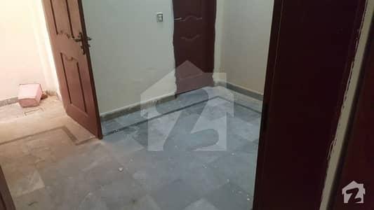 شیرشاہ کالونی - راؤنڈ روڈ لاہور میں 2 کمروں کا 3 مرلہ مکان 25 ہزار میں کرایہ پر دستیاب ہے۔
