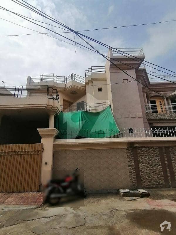 آفیسرز کالونی 2 فیصل آباد میں 4 کمروں کا 7 مرلہ مکان 1.12 کروڑ میں برائے فروخت۔