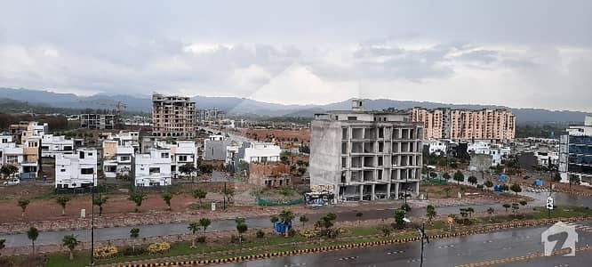 بحریہ انکلیو بحریہ ٹاؤن اسلام آباد میں 2 کمروں کا 16 مرلہ پینٹ ہاؤس 1.75 کروڑ میں برائے فروخت۔