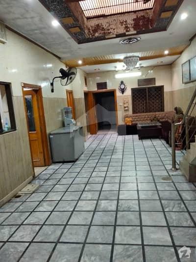 نروالہ روڈ فیصل آباد میں 5 کمروں کا 6 مرلہ مکان 1.6 کروڑ میں برائے فروخت۔