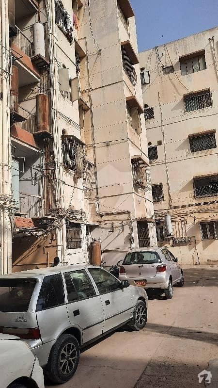 گلشنِ اقبال - بلاک 3 گلشنِ اقبال گلشنِ اقبال ٹاؤن کراچی میں 3 کمروں کا 6 مرلہ فلیٹ 1.5 کروڑ میں برائے فروخت۔