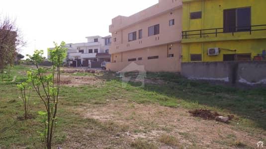 ڈی ایچ اے ڈیفینس فیز 2 ڈی ایچ اے ڈیفینس اسلام آباد میں 8 مرلہ رہائشی پلاٹ 1.8 کروڑ میں برائے فروخت۔