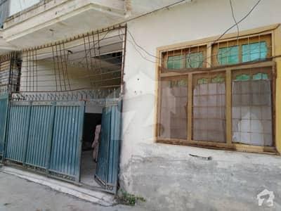 ورسک روڈ پشاور میں 4 کمروں کا 4 مرلہ فلیٹ 22 ہزار میں کرایہ پر دستیاب ہے۔