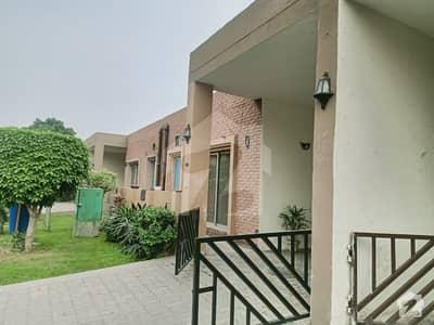 بحریہ ٹاؤن سفاری ولاز بحریہ ٹاؤن سیکٹر B بحریہ ٹاؤن لاہور میں 2 کمروں کا 5 مرلہ مکان 80 لاکھ میں برائے فروخت۔