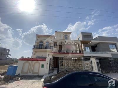 10 Marla House In Talha Block Bahria Town