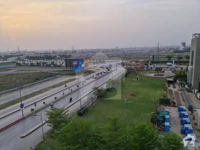 ڈی ایچ اے فیز 6 - بلاک اے فیز 6 ڈیفنس (ڈی ایچ اے) لاہور میں 8 مرلہ کمرشل پلاٹ 35 کروڑ میں برائے فروخت۔