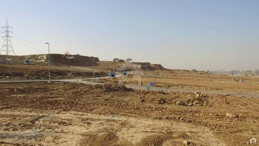10 mrla plot available for sale in DHA phase 5 sector F