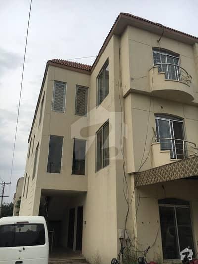 پیراگون سٹی - امپیریل بلاک پیراگون سٹی لاہور میں 3 کمروں کا 10 مرلہ فلیٹ 1.35 کروڑ میں برائے فروخت۔
