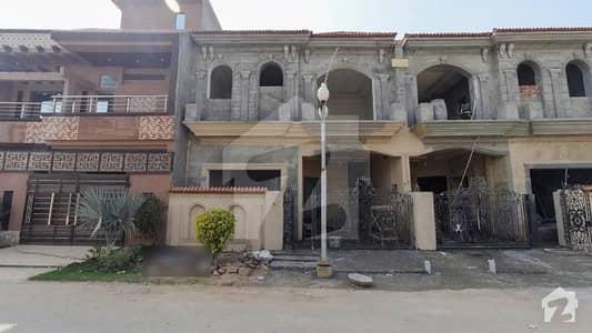 ایس جی گارڈن بیدیاں روڈ لاہور میں 3 کمروں کا 5 مرلہ مکان 99 لاکھ میں برائے فروخت۔