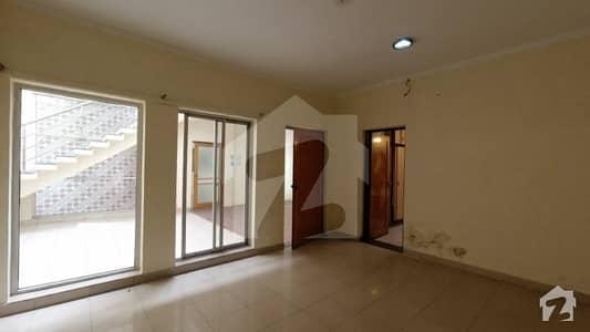 بحریہ ٹاؤن سفاری ولاز بحریہ ٹاؤن سیکٹر B بحریہ ٹاؤن لاہور میں 3 کمروں کا 8 مرلہ مکان 1.5 کروڑ میں برائے فروخت۔