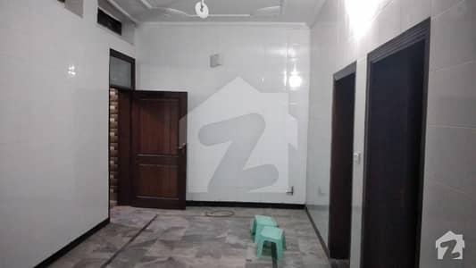حیات آباد فیز 1 حیات آباد پشاور میں 5 کمروں کا 5 مرلہ زیریں پورشن 50 ہزار میں کرایہ پر دستیاب ہے۔