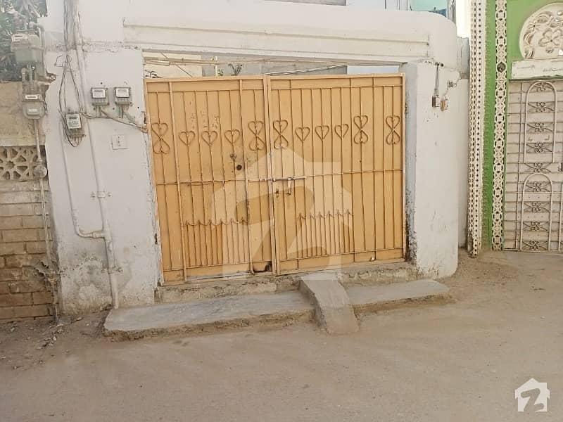 L Shaped House On The Main Location Of Shahrae Faisal