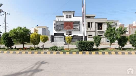 ایس اے گارڈنز فیز 2 ایس اے گارڈنز جی ٹی روڈ لاہور میں 7 کمروں کا 8 مرلہ مکان 2.25 کروڑ میں برائے فروخت۔