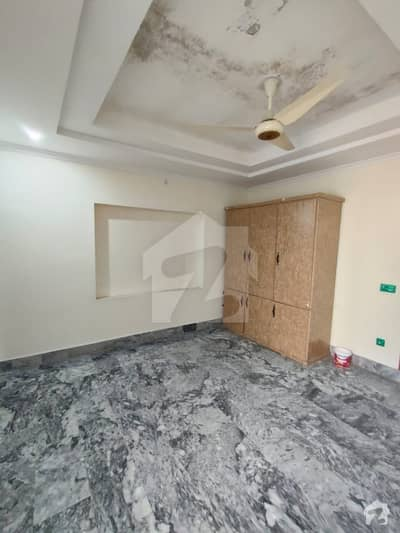 1575  Square Feet Upper Portion In Central Aziz Garden For Rent