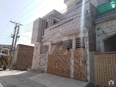 خیابان صادق سرگودھا میں 5 کمروں کا 8 مرلہ مکان 2.1 کروڑ میں برائے فروخت۔