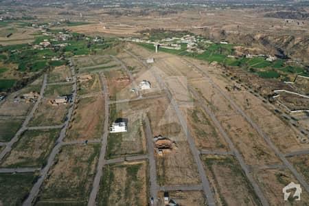 گلبرگ گرینز گلبرگ اسلام آباد میں 1 کنال پلاٹ فائل 4.5 لاکھ میں برائے فروخت۔
