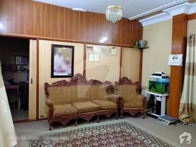 شاہراہِ فیصل کراچی میں 3 کمروں کا 7 مرلہ فلیٹ 2.6 کروڑ میں برائے فروخت۔