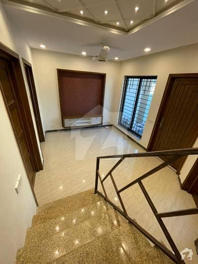 ڈی ۔ 12/1 ڈی ۔ 12 اسلام آباد میں 3 کمروں کا 4 مرلہ مکان 2.4 کروڑ میں برائے فروخت۔
