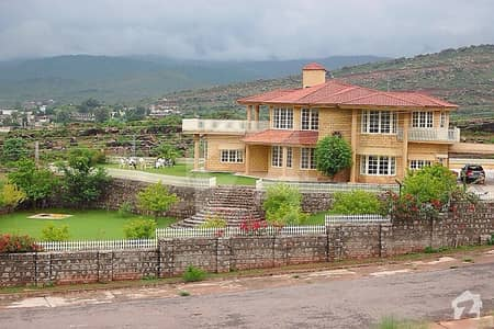 An Excellent Farm House 6 Kanals  4 Bed Rooms  Country Farms Is Available For Sale