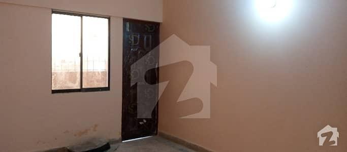 احسن آباد گداپ ٹاؤن کراچی میں 2 کمروں کا 4 مرلہ فلیٹ 12 ہزار میں کرایہ پر دستیاب ہے۔