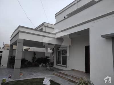 پی اے ایف فالکن کمپلیکس گلبرگ لاہور میں 5 کمروں کا 1 کنال مکان 7 کروڑ میں برائے فروخت۔