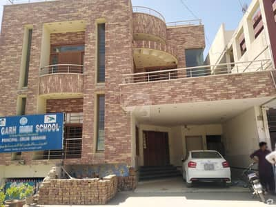 Luxury And Well Built House At Prime Location Of Latifabad