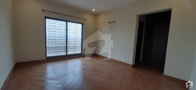 Stunning 1 Kanal House In DHA Defence Available