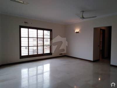 ڈی ایچ اے فیز 6 ڈی ایچ اے کراچی میں 3 کمروں کا 1 کنال بالائی پورشن 1.7 کروڑ میں برائے فروخت۔