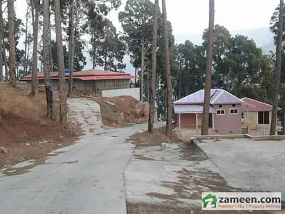 10 Marla Plot In Gated Society With All Modern Facilities