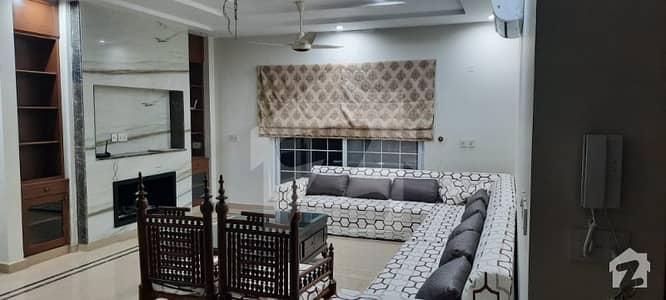 لیک سٹی ۔ سیکٹر ایم ۔ 3 لیک سٹی رائیونڈ روڈ لاہور میں 3 کمروں کا 1 کنال بالائی پورشن 1.3 لاکھ میں کرایہ پر دستیاب ہے۔