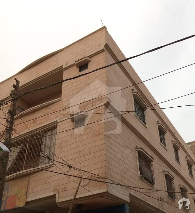 Spacious 1200  Square Feet Corner Upper Portion Available For Sale In Latifabad